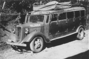 Ônibus Linha Bento Garibaldi Carlos Barbosa(acervo Eugênio Valduga) déc1940