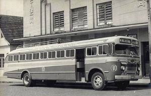 Ônibus da empresa Expresso Azul Percurso Porto Alegre X Lageado(acervo Braulio Petry) 1952