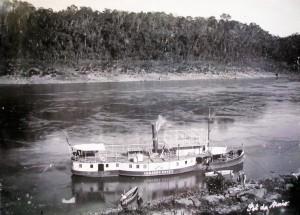 Barco Armando Annes no Rio Taquari