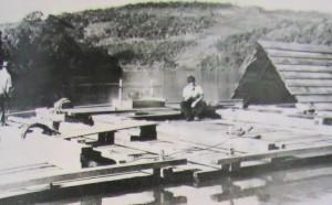 Transporte de madeira no Rio Uruguai déc1930