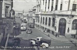 Pelotas Rua Andrade Neves esquina Floriano Peixoto(foto Josiane Oliveira-Pretérita Urbe) déc1950