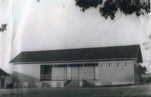Portão Grupo Escolar de Rincão do Cascalho(acervo Leila Rodrigues) 1954