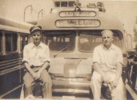 Porto Alegre-Guaíba Travessia barcaças Edkar Primo Trapp(direita) Na travessia 1953