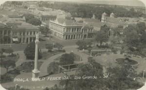 Rio Grande Praça Xavier Ferreira(acervo Suzana Morsch) déc1950