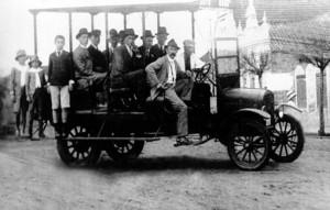 Santa Cruz do Sul Primeiro coletivo urbano(Acervo de Maria Regina Winterle) 1919