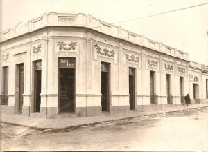 Uruguaiana Rua Presidente Vargas esquina Domingos de Almeida frente ao Mercado Público(acervo Patricia Zacchini) 1930