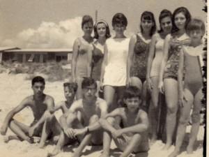 Atlântida Balneário Jovens na praia 1964