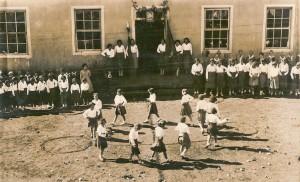 Bom Jesus Atividade com crianças em escola déc1930