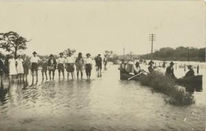Canoas Bairro Niterói(Vila Rio Branco) Enchente(acervo Suzana Morsch) 1928 1
