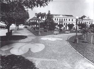Caxias do Sul Praça Dante Alighieri Hotel Menegotto(Studio Geremia) déc1940