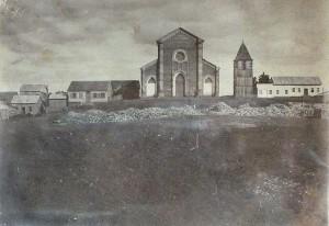 Caxias do Sul Praça Dante Alighieri com a Catedral de Caxias em 1899 (acervo AHM)