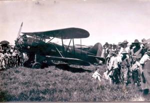 Cerro Largo Avião chegando a cidade 1956