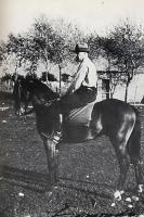 Edmondo Prati col suo cavallo a Caldonazzo Estate 1934